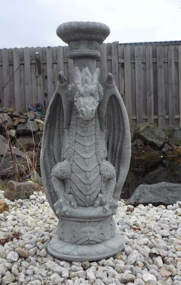 drache gargoyle als s ule lampe o brunnen verwendbar. Black Bedroom Furniture Sets. Home Design Ideas